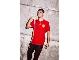 06 Spain Home Jersey