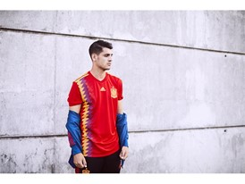 08 Spain Home Jersey