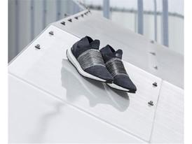 adidas Running UltraBOOST Laceless (2)