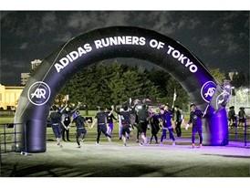 """adidas Runners of Tokyo presents -TOKYO RUN +5 CHALLENGE-"" TOP"