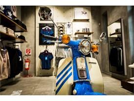 adidas Originals Store (8)