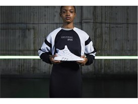Originals_EQT_BBall_SS18_Female_01