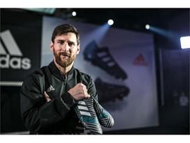 Leo Messi presenta en exclusiva sus nuevas Nemeziz en Barcelona