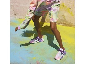 H21253 adidas Originals PHARRELL WILLIAMS Hu Holi Powder Dye Key Visual FTW Shot on Model