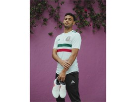 soccerbible-mexico-hires-5602