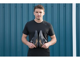 AlphaBOUNCE Beyond Beauden Barrett (1)