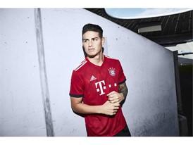 FC Bayern-Heimtrikot 2018-19 - James
