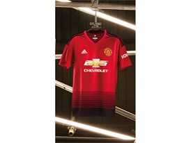 MUFC Home Kit 1819 (2)