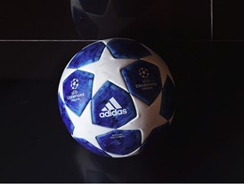 Neuer Ball für die UEFA Champions League: Design-Revolution am Sternenhimmel