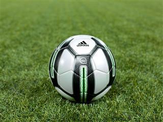 adidas miCoach Smart Ball 5