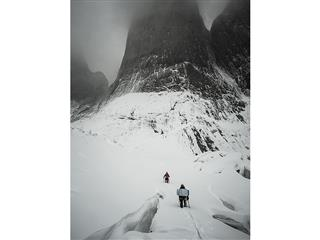 Ines Papert and Mayan Smith-Gobat approaching the route Riders on the Storm in Torres del Paine-photo credits Thomas Sen