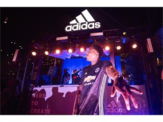 Straight from the stadium to the street – adidas Soccer and Manchester United light up Hollywood