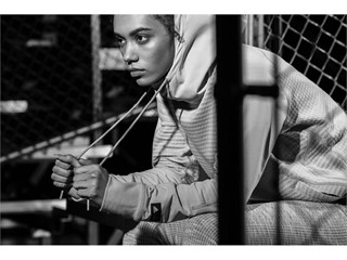 ReigningChamp FW17 Key Visual Imagery Womens Bleacher 0844