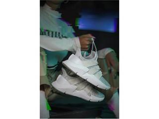 Originals_Prophere_SS18_KEY_March-Look06_CQ2542_Foundation_off_Foot
