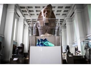 adidas Futebol doa par de chuteiras de Mo Salah ao Museu Britânico