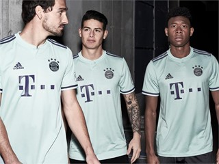 FCBFW18 AWAY SOCIAL 3PLAYER