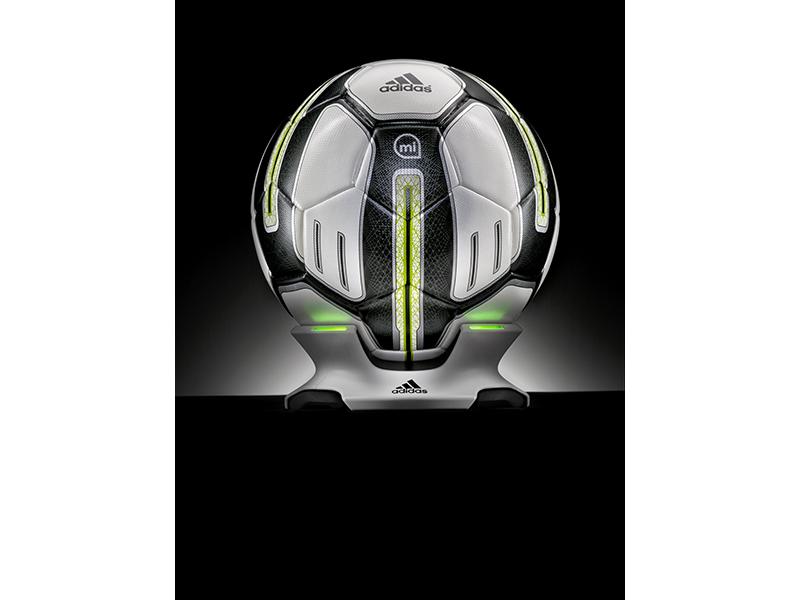 miCoach Smart Ball 9