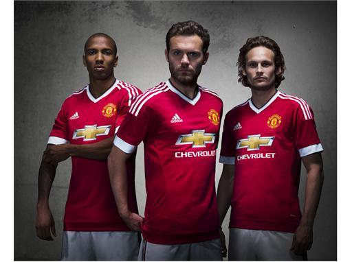 Manchester United 2015/16 Home Kit 14