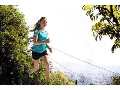 adidas представя тениска climacool за трениране,  за деца под 10 години