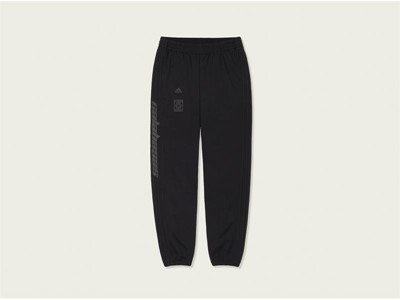 adidas YEEZY Trackpant Black Front PR