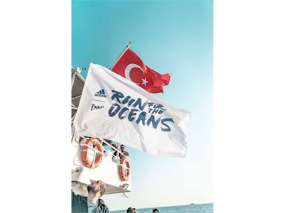 "ADIDAS X PARLEY ""RUN FOR THE OCEANS"" KOŞUSU"