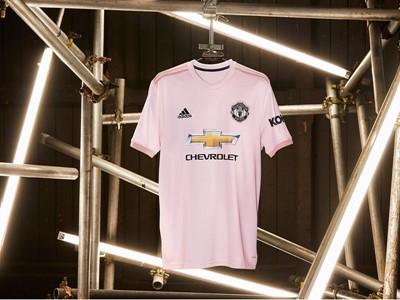 adidas revela a nova camisa II do Manchester United para a temporada 2018/19