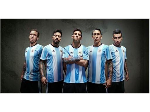 Jugadores - nueva camiseta Selección Argentina