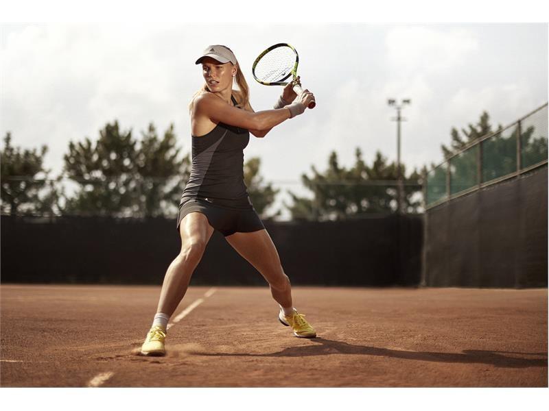 pegar Marcar Muslo  adidas by Stella McCartney Unveils Roland Garros Collection