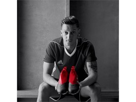 Red Limit ACE17+ PURECONTROL film - Mesut Ozil