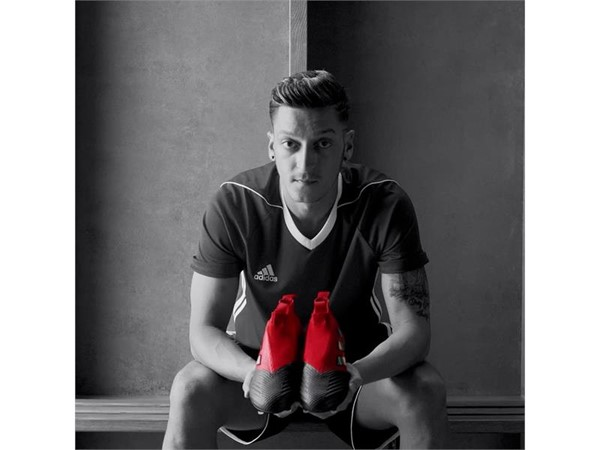 Red Limit ACE17+ PURECONTROL film - Mesut Ozil