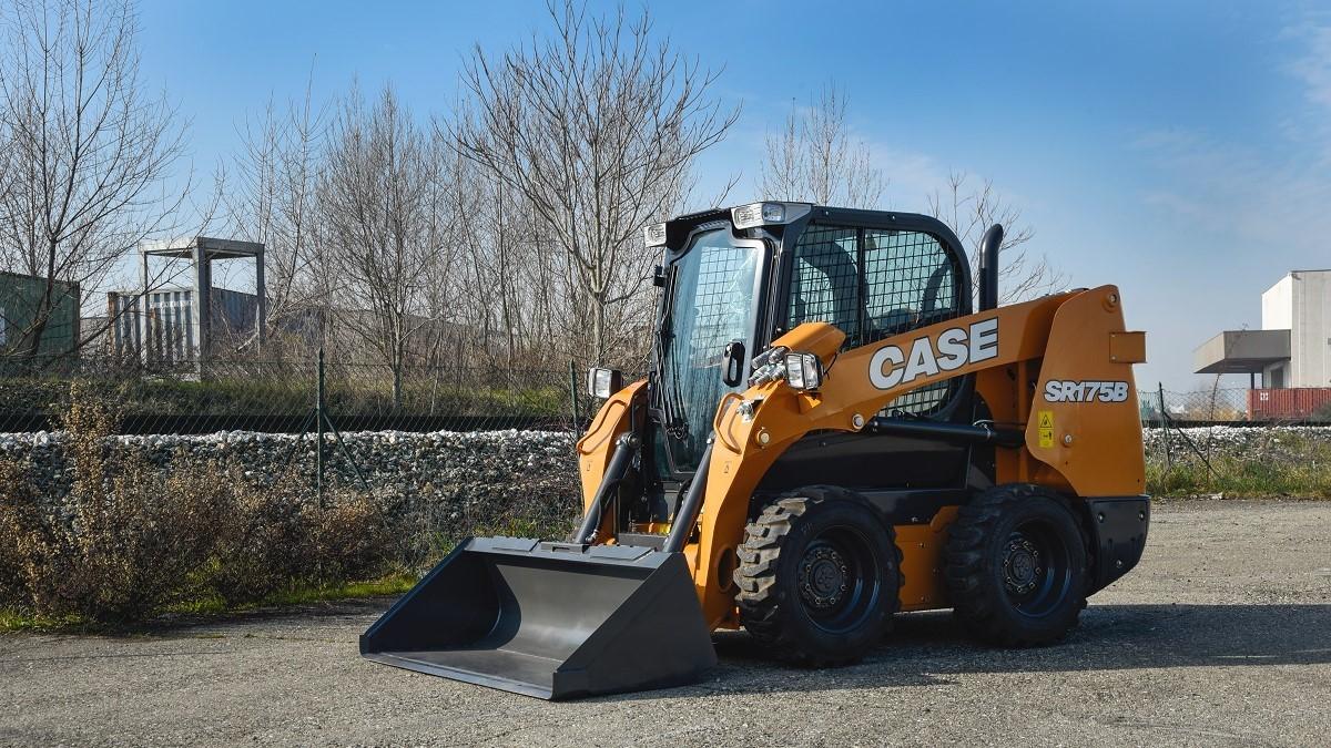 CNH Industrial представила усовершенствованные колесные и гусеничные мини-погрузчики CASE новой серии В