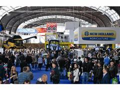 NEW HOLLAND AT THE AGROTECH 2015 FAIR: an impressive stand and two important awards