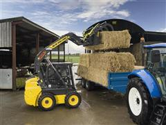 New Holland launches new materials handling kit at interactive farmer event