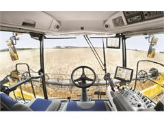 Extra comfort from New Holland in New Harvest Suite™ Ultra cab
