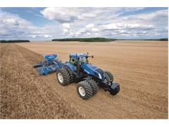 New Holland T8 Series Auto Command™ Range: More Power and Auto Command™ Efficiency