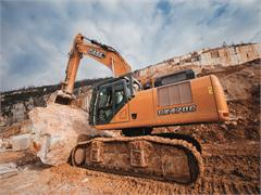 An encounter with excellence: the Case CX470C at work in the quarries of Botticino