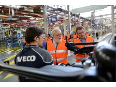 CNH Industrial's Madrid plant welcomes Miguel Arias Cañete, European Commissioner for Climate Action and Energy