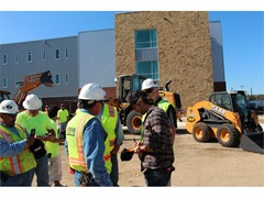 Kip Moore, CASE and ASCO Bring Free Lunch to Construction Site in San Antonio