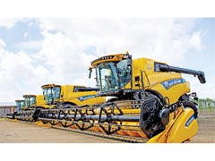 The latest New Holland СR Revelation combine harvesters arrive to Russia