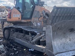 Бульдозер CASE 2050M со специальным отвалом вдвое увеличил производительность при обработке мусора на подмосковном полигоне ТБО