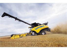 The New Holland CR10.90 combine harvested up to 100 tonnes of wheat per hour during the record