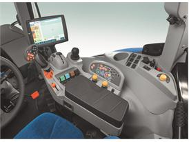 New Holland IntelliView™ IV colour touchscreen monitor on T7
