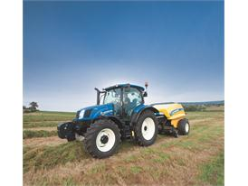 New Holland T6.150 Auto Command™ undertaking baling