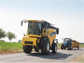 New Holland CX7090 Elevation Combine
