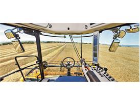 New Holland TC5070 Harvest Suite™ Comfort cab
