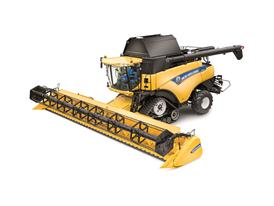New SmartTrax™ suspended rubber tracks on New Holland CR8080 combine harvester