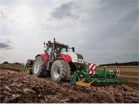 Steyr 6185 CVT Seedbed Preparation