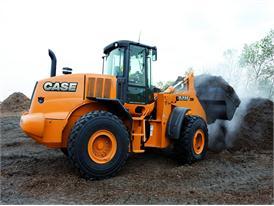 Case 821 FXR wheel loader hard at work