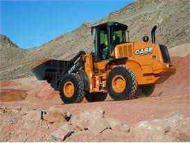 Case 621F XT wheel loader transporting aggregate