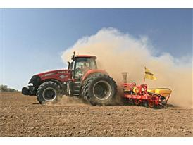 Case IH Magnum 340 and Väderstad Tempo set new seeding record with sunflowers